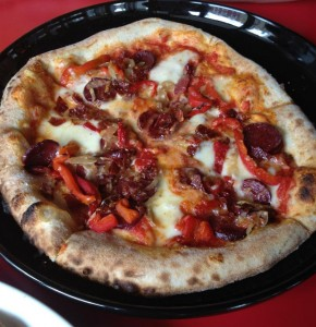 mmm Pizza – Piatto is Anything but Flat